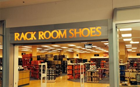 Average Rack Room Shoes hourly pay ranges from approximately $ per hour for Cashier/Sales to $ per hour for Assistant Store Manager. The average Rack Room Shoes salary ranges from approximately $15, per year for Customer Service Representative to $67, .