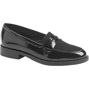 Fekete lakkhatású loafer