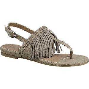 Sandália com franjas