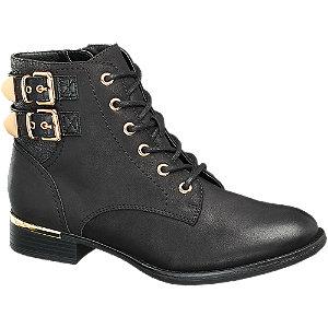 Šněrovací obuv s přezkami
