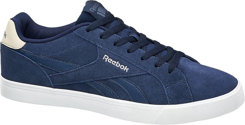 Artikel klicken und genauer betrachten! - Der Sneaker von Reebok bringt dank maritimer Farbkombination eine frische Brise in Ihr Casual Outfit Das Obermaterial in Velours Optik sowie das Textilinnenmaterial sind dunkelblau die Gummilaufsohle ist im klassischen Sneaker Weiß gehalten Auch die Label Details sind in Blau und Weiß gestaltet Dank verstärktem Fersenbereich bietet der Schuh guten Halt Für einen angenehmen Tragekomfort sorgt die weiche Polsterung von Schaft und Lasche | im Online Shop kaufen