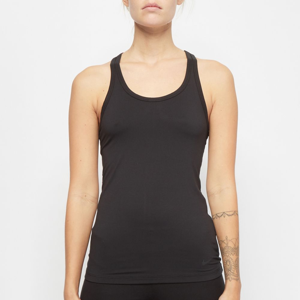 czarna koszulka na ramiączkach Nike Yoga Training