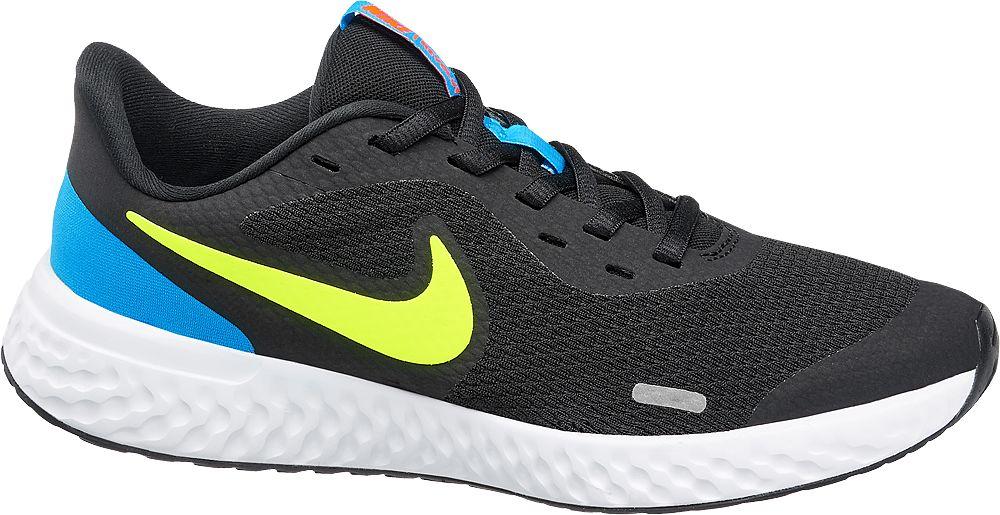 czarne sneakersy młodzieżowe Nike Revolution 5 z kolorowymi akcentami