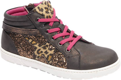 Graceland Bronze sneaker glans look