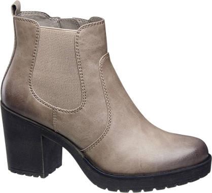 Catwalk Heeled Chelsea Boots