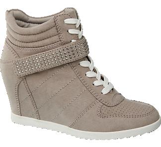 Klínová šněrovací obuv od Graceland