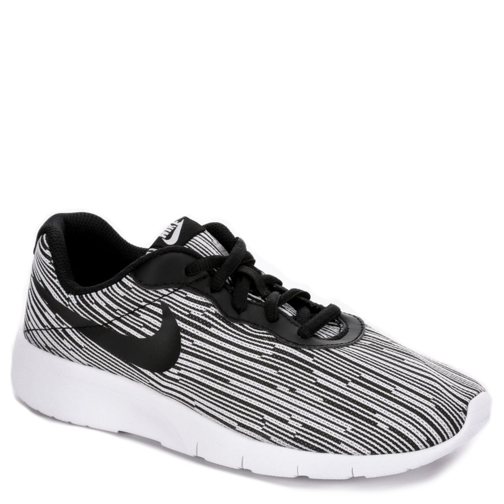 nike tanjun se boys 39 running shoe white rack room shoes. Black Bedroom Furniture Sets. Home Design Ideas