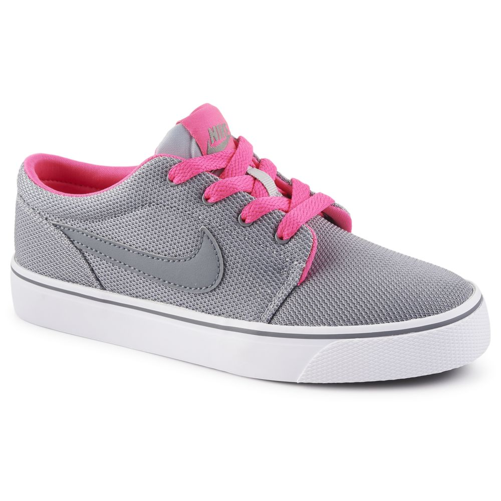 nike toki low kids 39 shoe grey rack room shoes. Black Bedroom Furniture Sets. Home Design Ideas