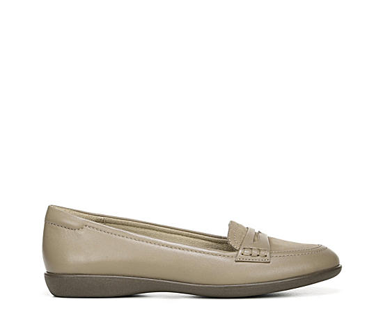 Womens Finley Loafer