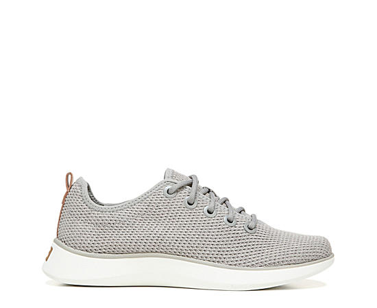 Womens Freestep Sneaker