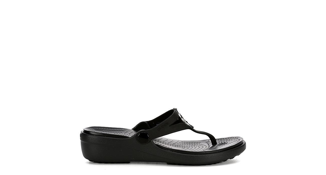 CROCS Womens Sanrah Hammered Wedge Sandal Flip - BLACK