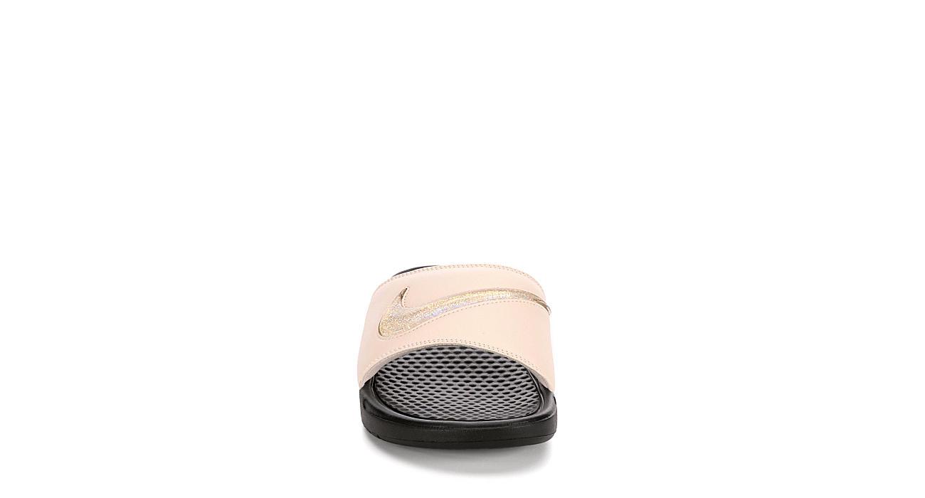 NIKE Womens Benassi Slide Sandal - BEIGE