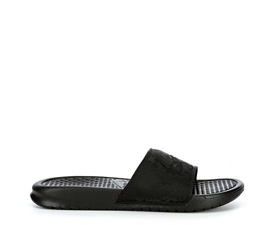 3017ad6b195e Nike Shoes