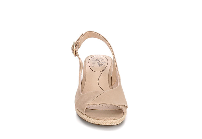 LIFESTRIDE Womens Socialite Wedge Sandal - TAUPE