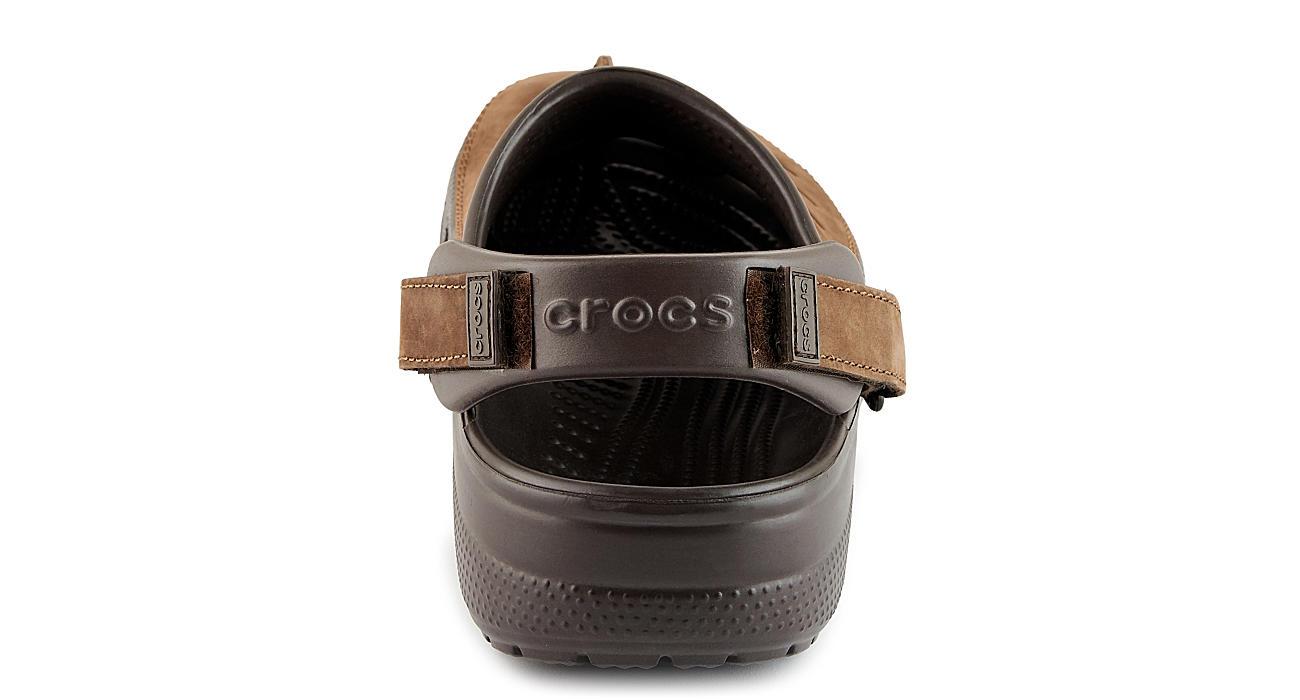 CROCS Mens Classic Yukon Mesa Clog - BROWN