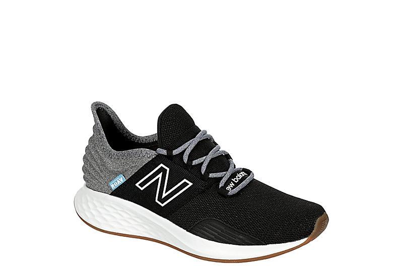 BLACK NEW BALANCE Womens Fresh Foam Roav Running Shoe