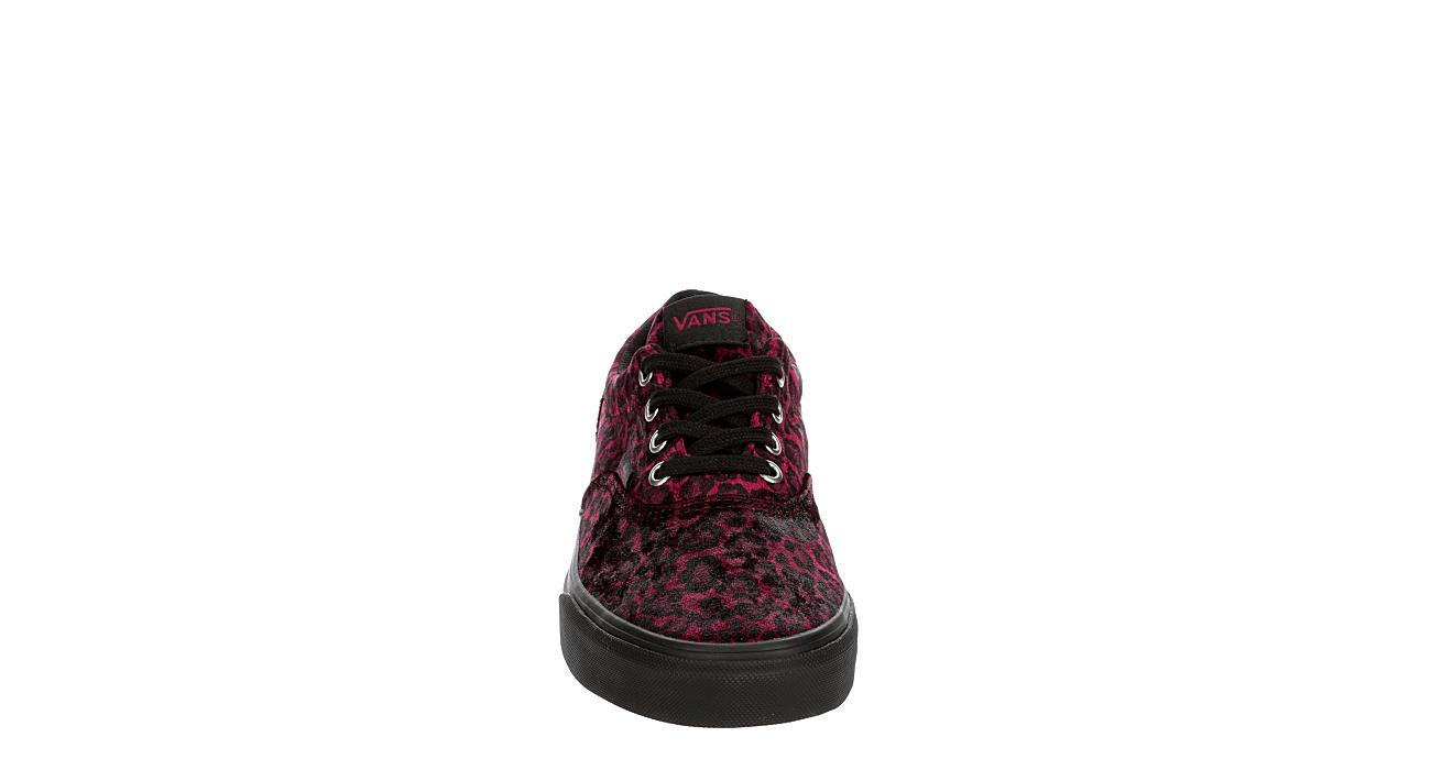 VANS Womens Doheny Sneaker - DARK RED