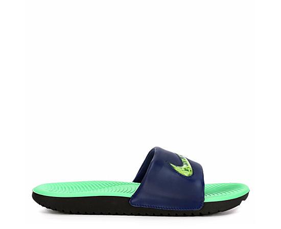 9a025fca3e19 Nike Shoes