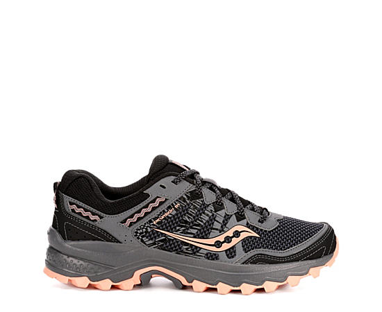 Womens Excursion Tr 12