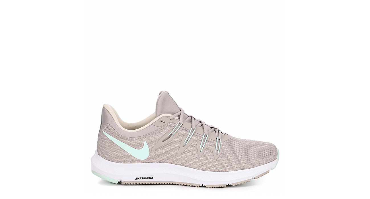 NIKE Womens Quest - IVORY