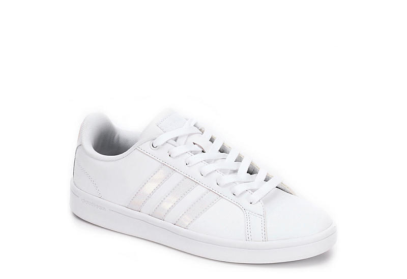 white adidas shoes cloudfoam