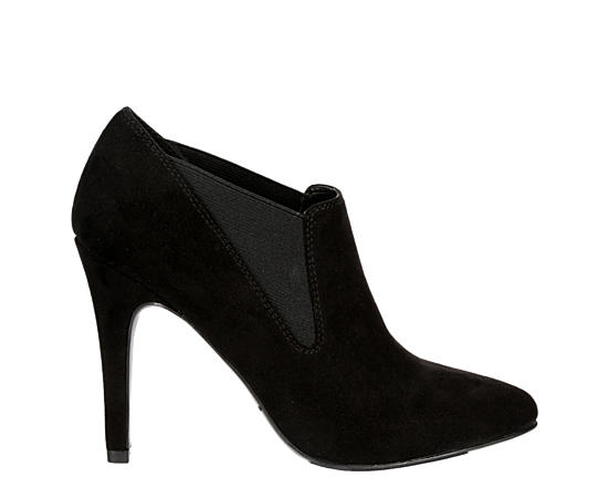 8520a7abf07 Women's Heels and Pumps | Off Broadway Shoes