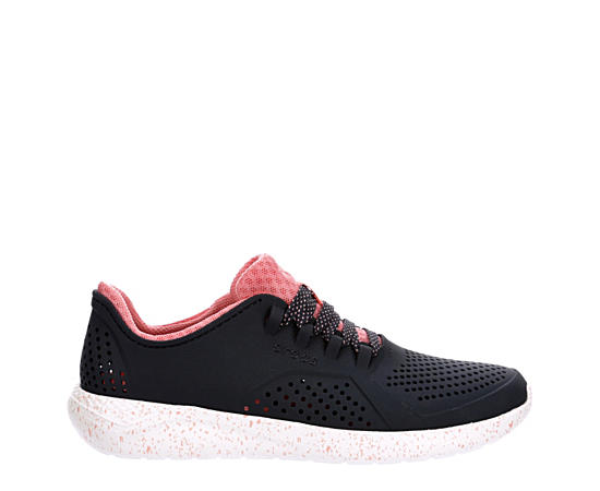 Womens Pacer
