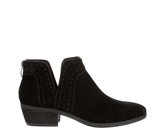 1e73f02fce4 Women's Boots | Boots for Women | Off Broadway Shoes