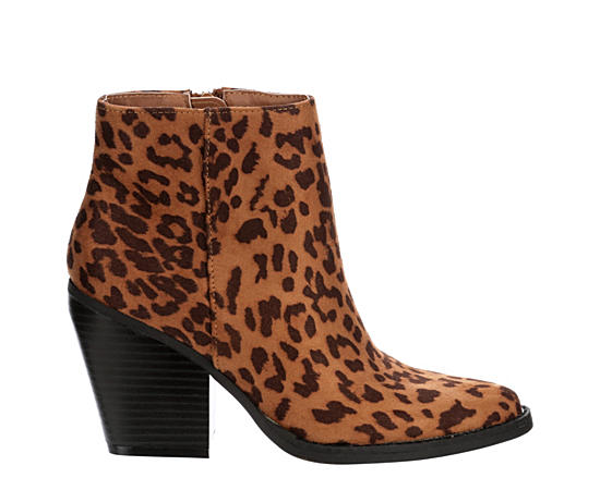 premium selection 05dec 94fdf Women's Boots | Boots for Women | Off Broadway Shoes