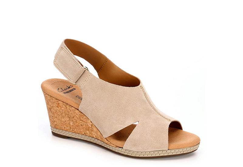 Womens Sandals Clarks Helio Float 4 Sand