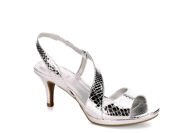 c7823f8c6065 Bandolino Womens Karcsi - Silver