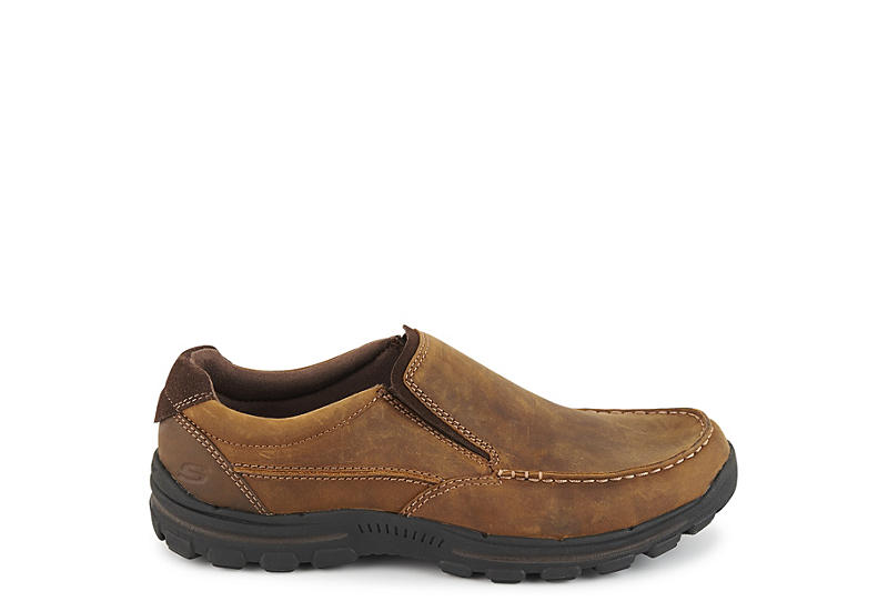 SKECHERS Mens Braver-rayland Relaxed Fit Comfort Loafer - BROWN