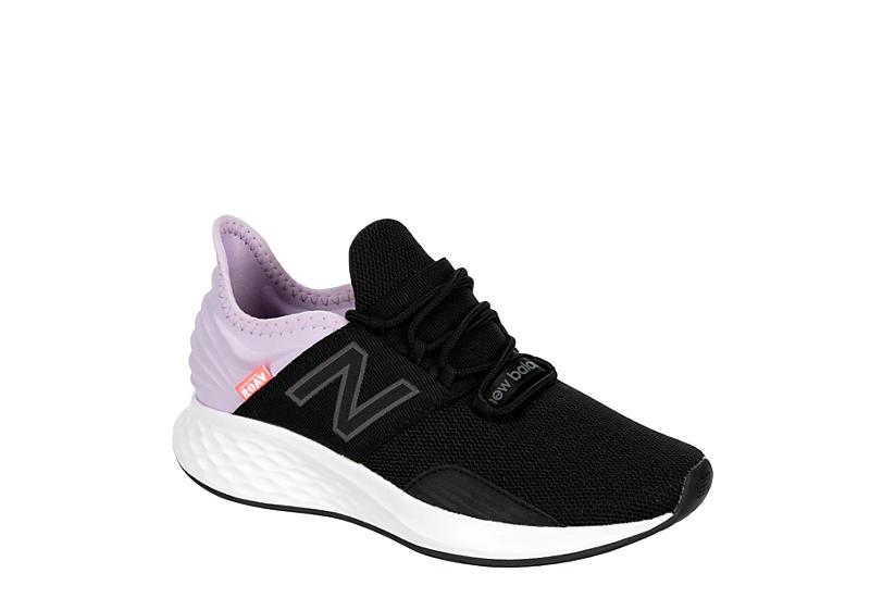 NEW BALANCE Womens Roav Running Shoe - BLACK