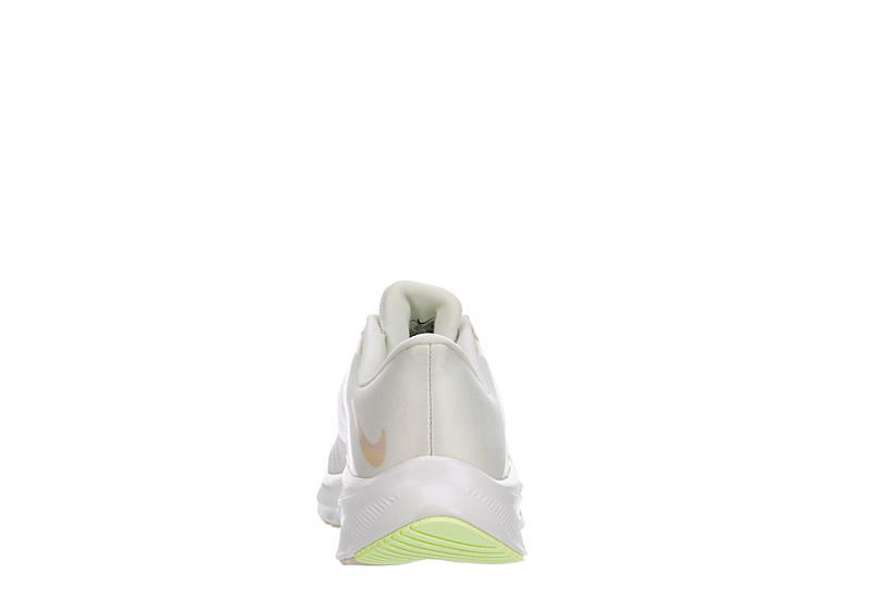 NIKE Womens Quest 3 Running Shoe - WHITE