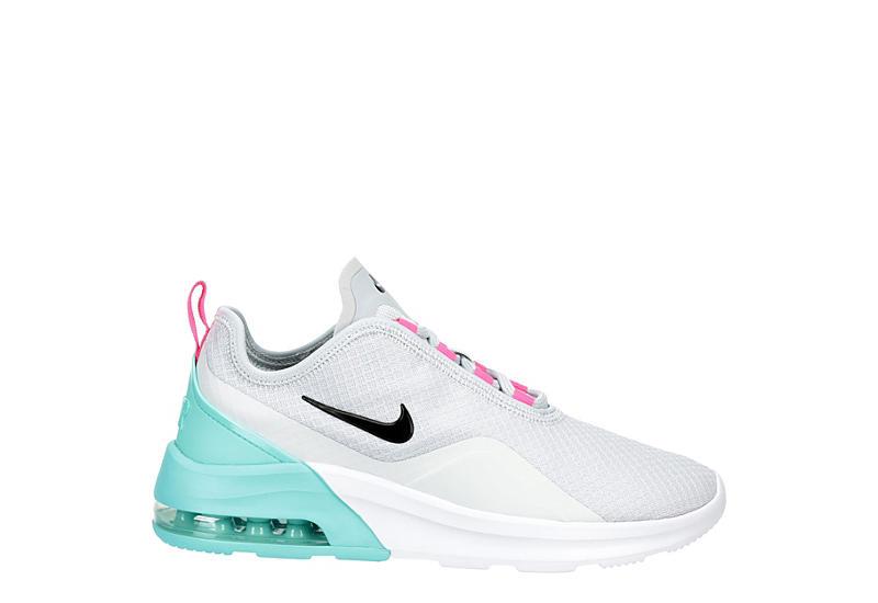 Nike Womens Air Max Motion 2 Sneaker Platinum