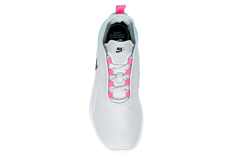 NIKE Womens Air Max Motion 2 Sneaker - PLATINUM