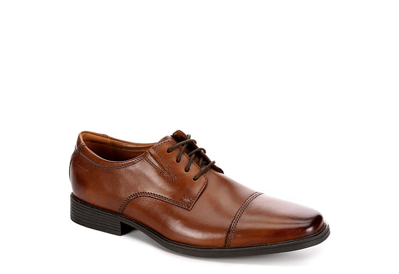 CLARKS Mens Tilden Cap Toe Oxford - DARK TAN