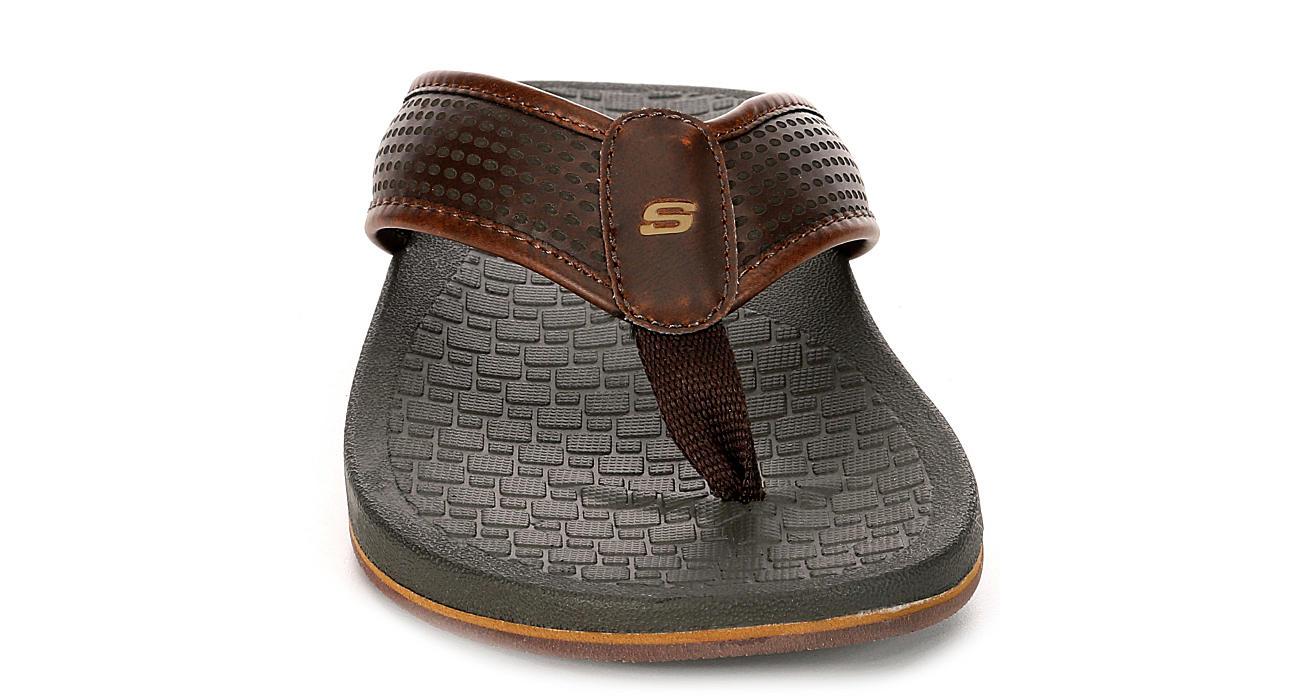 SKECHERS Mens Pelem-emiro Relaxed Fit Memory Foam Thong Sandal - CHOCOLATE