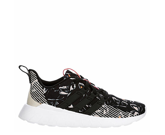 Womens Questar Flow Sneaker