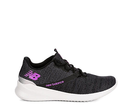 huge selection of 5401f 3961b Womens District Run Sneaker