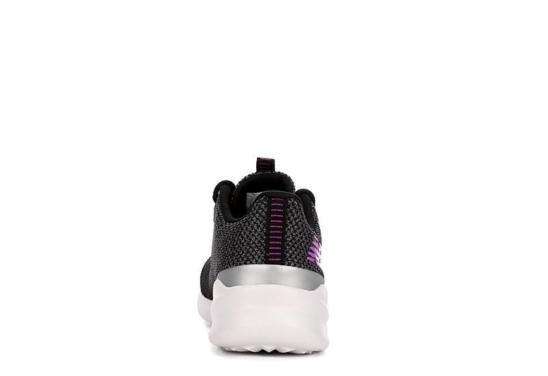 NEW BALANCE Womens District Run Sneaker - BLACK