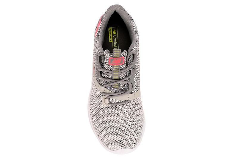 NEW BALANCE Womens District Run Sneaker - GREY