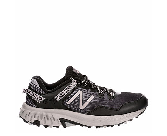 Womens 410 V6 Running Shoe