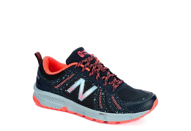 NAVY NEW BALANCE Womens 590 Running Shoe