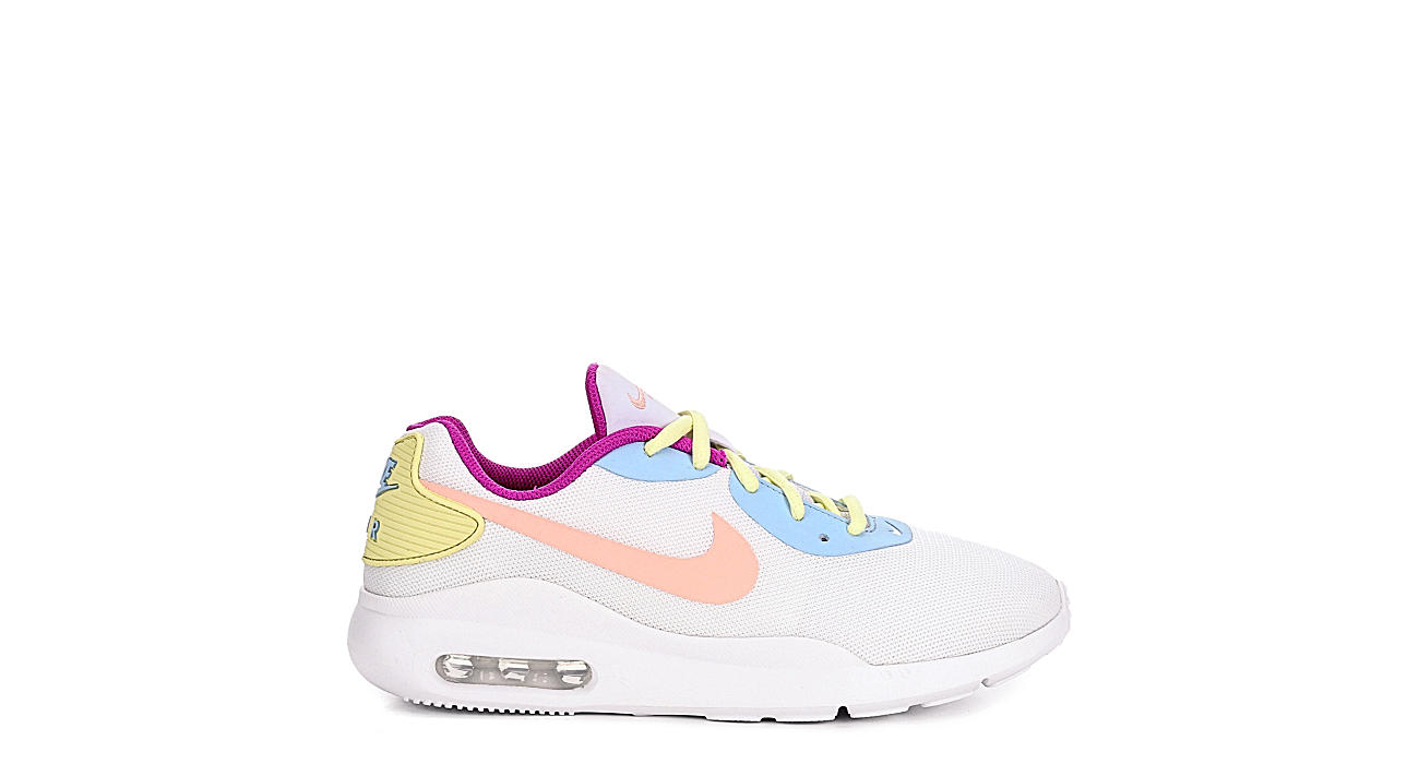 NIKE Womens Air Max Oketo Sneaker - WHITE
