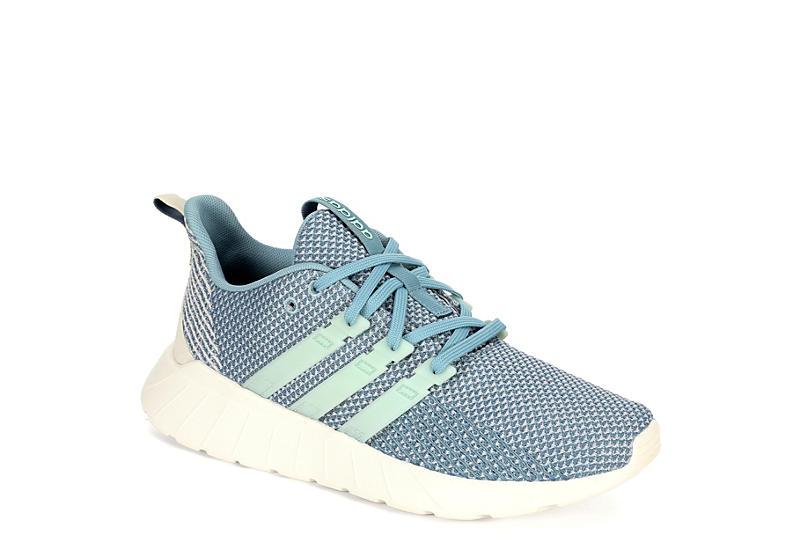 GREY ADIDAS Womens Questar Flow Sneaker