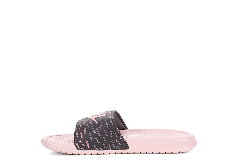 NIKE Womens Benassi Slide Sandal - BLUSH