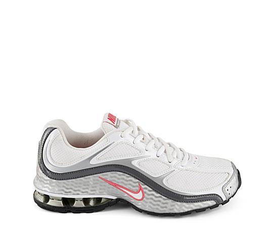 Womens Reax Run 5 Running Shoe