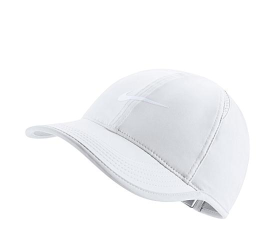Womens Featherlike Hat