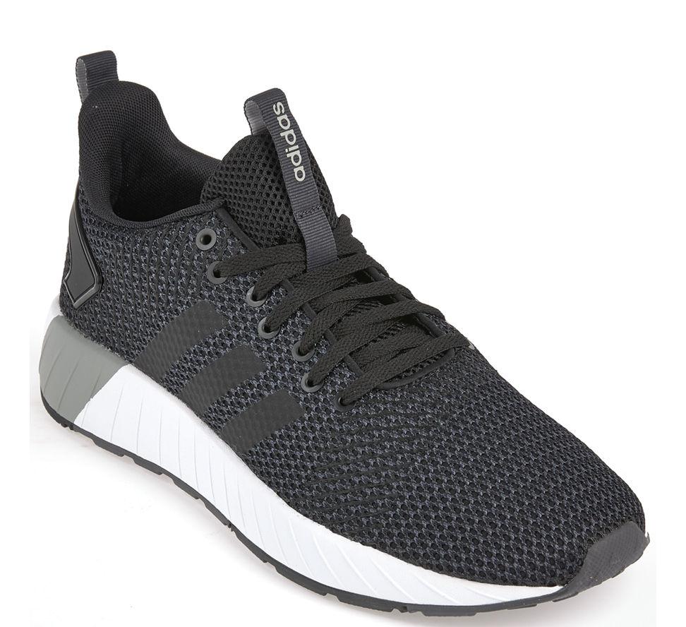 Neu Adidas Adidas Questar BYD Sneaker in cblack cblack